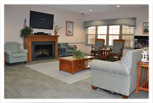 The comfortable Haven Living Room with Gas Fireplace, TV and Aquarium